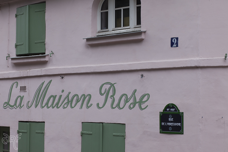 facade restaurant La Maison Rose,Paris