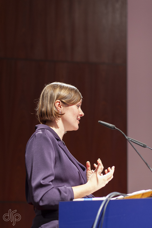 Ms. Liefbroer defending her thesis